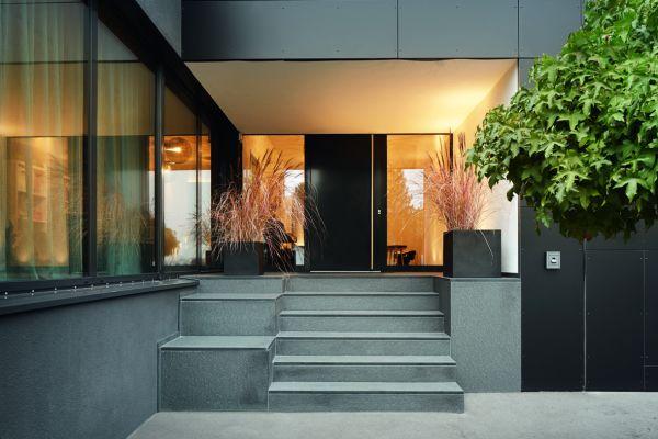 Der Eingang eines Hauses.
