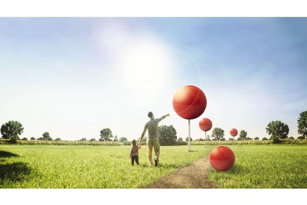 Das Bild zeigt die roten Luftballon des
