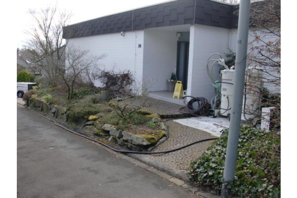 Risikoabwägung bei einer undichten Kunststoffrohr-Fußbodenheizung