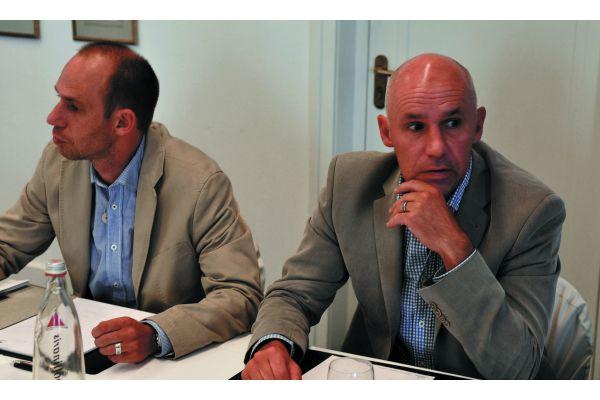 Die betroffenen Anlagenbauer Thomas und Uwe Cirkel (rechts), Hermann Grefer GmbH