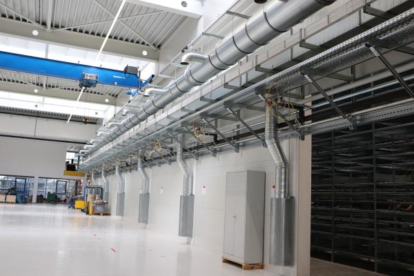 fischer Installationssysteme im Produktionsgebäude