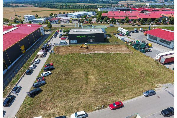 Die Baustelle des Anbaus der Zentrale der magnetic GmbH von oben.