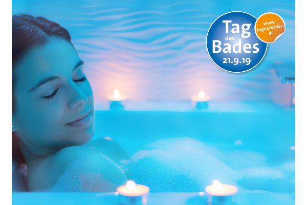 """Das Bild zeigt ein Werbeplakat zum """"Tag des Bades""""."""
