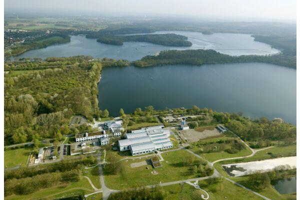 """Der überirdische Teil des """"Schatzes"""": Das Wasserwerk Haltern in Westfalen bezieht sein Rohwasser aus einem Stausee."""