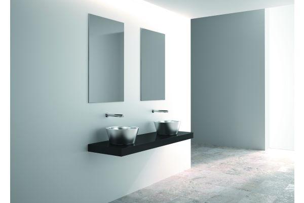 """Die Produktserie der Edelstahl-Sanitärausstattungen für öffentliche Bereiche bietet mit dem neuen Aufsatzbecken """"Algui"""" ein echtes Designerstück für den gehobenen Sanitärbereich."""