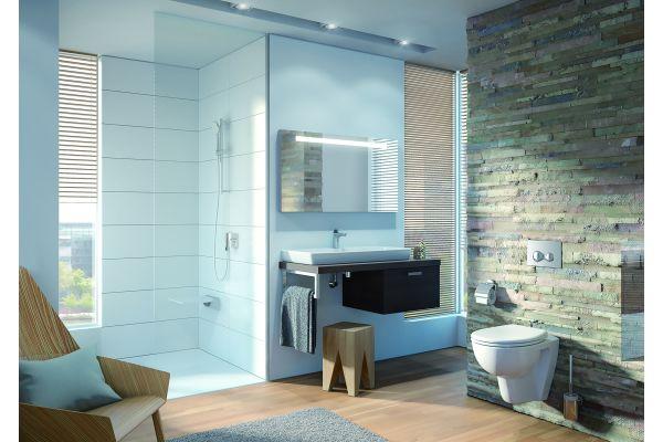Auch barrierefrei kann schön sein, wie dieses  Badezimmer, ausgestattet von VitrA Bad, beweist.