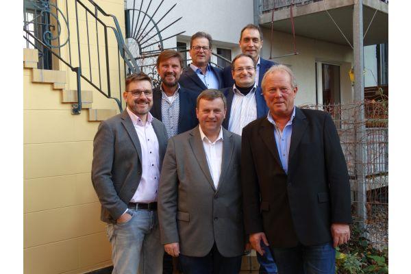 Das Bild zeigt den aktuellen DIvB-Vorstand.