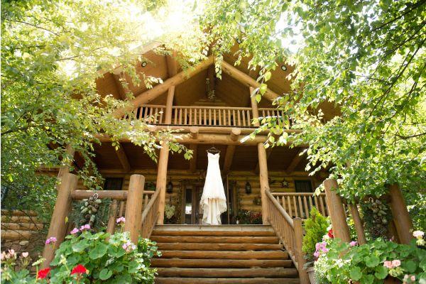 Gesund, behaglich und nachhaltig sollen sie sein: Häuser aus Holz.
