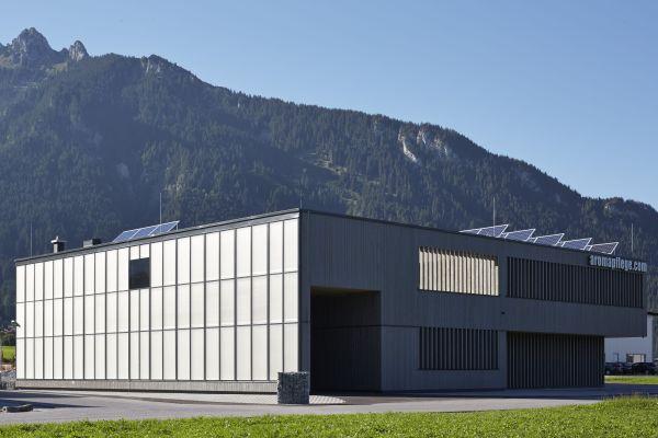 Das Firmengebäude des Naturkosmetik-Unternehmens Aromapflege aus Tirol.