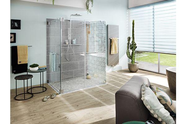 Das Bild zeigt ein Badezimmerambiente.