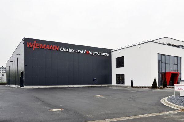 Unternehmenssitz der Elektro Wiemann GmbH in Bünde von außen.