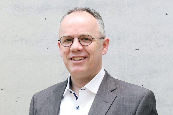 Das Bild zeigt Sebastian Noack.