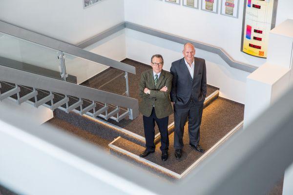 Das Bild zeigt Heinz Wippich und Kai-Uwe Hollweg.