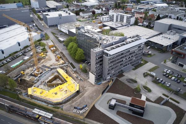 Grundsteinlegung für den Schüco One Neubau