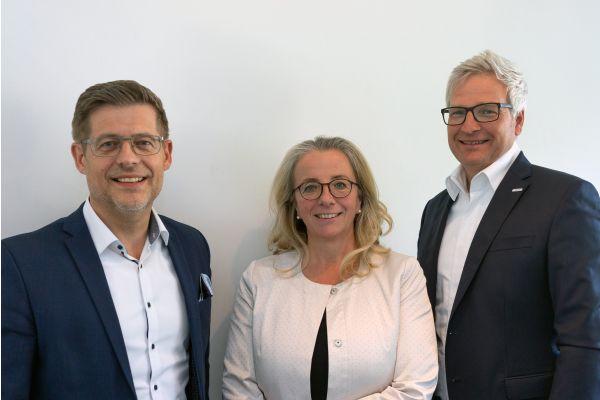 Das Bild zeigt Stefan Bollendorf, Andrea Heiner-Kruckas und Andreas Kregler.