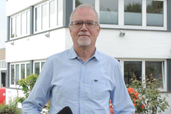 Das Bild zeigt Peter Hanken.