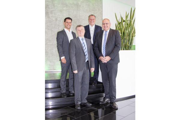 Das Bild zeigt Jochen Kitzler, Jürgen Weißenburger, Harald Fischer und Dr. Günter Stoll.