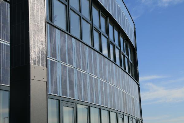 Ästhetisch, nachhaltig, widerstandsfähig: DAS Energy hebt Photovoltaik auf das nächste Level