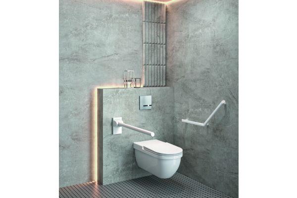 """Das Bild zeigt ein Badezimmer mit """"Be-Line""""-Produkten."""