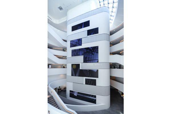 Das Atrium der ÖAMTC-Zentrale.