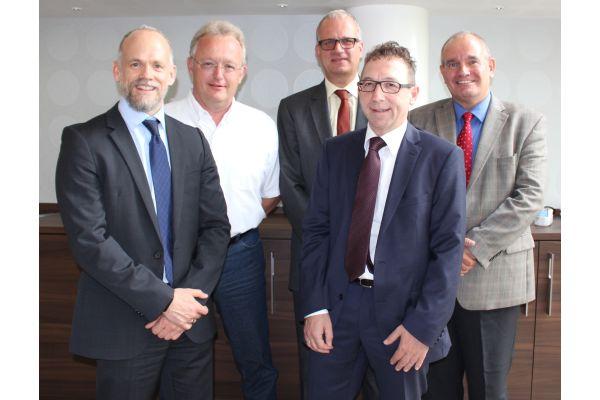 Das Bild zeigt den neuen Vorstand.