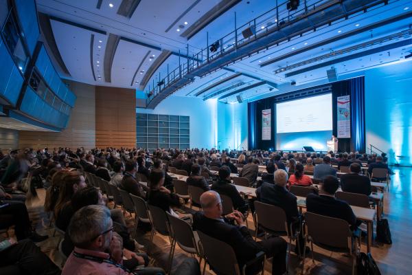 Internationaler Kongress mit vielen Vorträgen