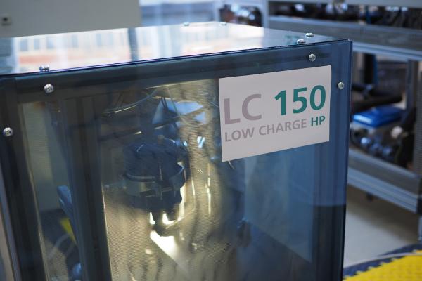 Wärmepumpe mit Kältemittel Propan für Aufstellung im Haus entwickelt