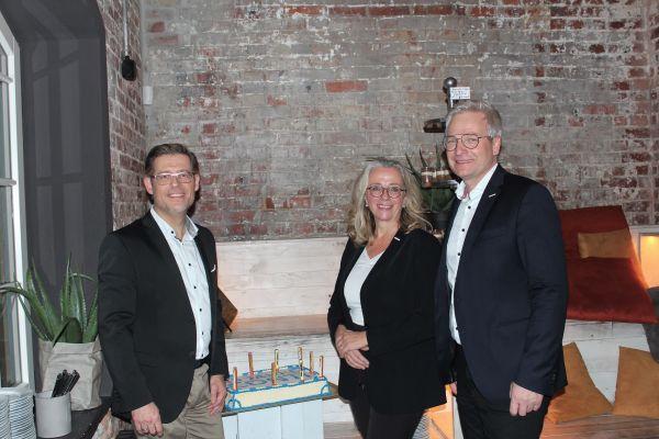 Das Bild zeigt die Geschäftsleitung der CONTI Sanitärarmaturen GmbH.