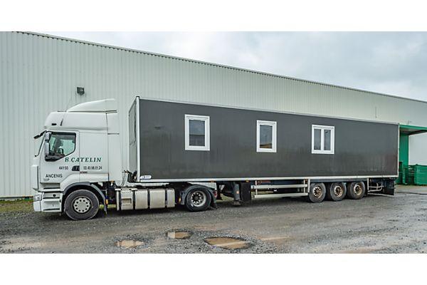 Das Bild zeigt einen umgerüsteten Kühlcontainer.