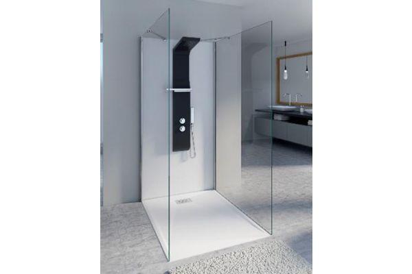 """Einfach zu montieren, aber mit einer bemerkenswerten Wirkung: die """"KINEWALL""""-Wandverkleidungselemente für die staubfreie Sanierung von Bädern auf bestehenden Fliesenspiegeln."""