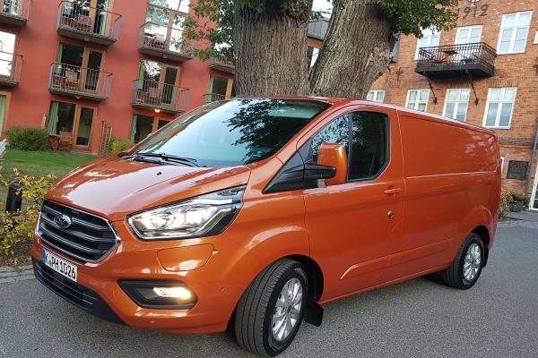 Ford setzt beim Transit Custom PHEV auf Elektroantrieb und Reichweite