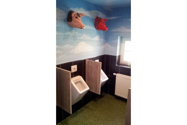 """""""Schweinereien"""" in Schultoiletten seien ein Tabuthema – so das Papier…"""