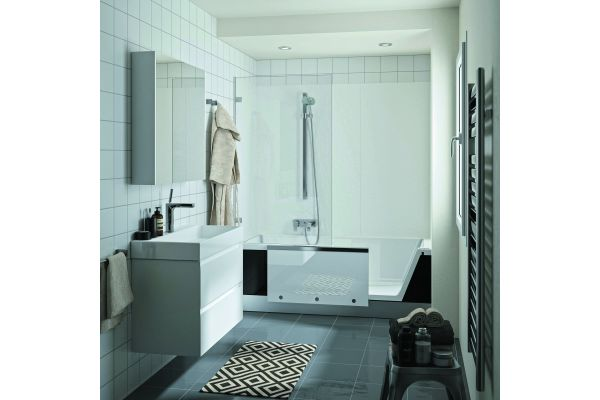 """Clever kombiniert: Die """"Easy-in""""- und """"Livorno Easy""""-Produkte bieten Dusche und Badewanne in einem."""