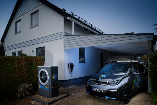 Modernisierung mit Brennwert-Wärmepumpen-PV-Kombination