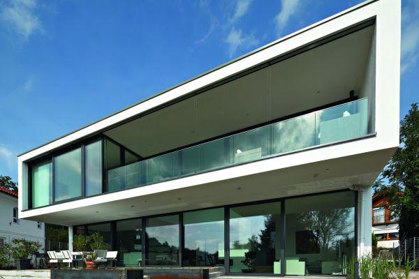 Außenansicht eines hochmodernen Wohngebäudes