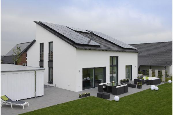 Ein Plusenergiehaus.