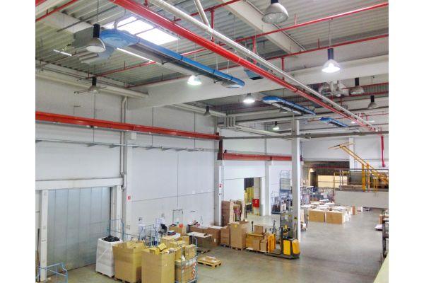 Die Logistikhalle mit den Hochleistungs-Infrarothallenheizungen