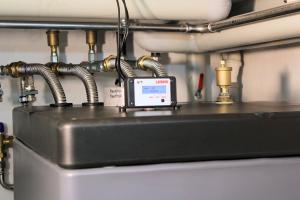 """In drucklosen """"Latento""""-Schichtspeichern von IVT zirkuliert das Heizungswasser nicht im Anlagensystem."""