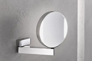 Der neue Rasier- und Kosmetikspiegel von Emco Bad mit drei- und siebenfacher Vergrößerung und stufenlos einstellbarer Farbtemperatur.
