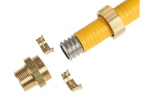 Die Fittings aus Messing werden mittels Schraubpressverbindung ohne Spezialwerkzeug montiert.