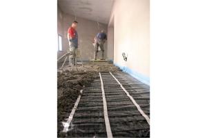 Verlegung einer der elektrischen Fußboden-Speicherheizung von AEG