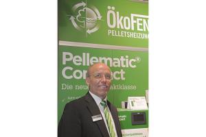 """Positiv sieht Geschäftsführer Lothar Tomaschko von der ÖkoFEN Heiztechnik GmbH den Markt: """"Wir haben dieses Jahr bei Solarthermie gewaltig zugelegt."""" Grund sei mit die Kombiförderung für Pellets plus Solar."""