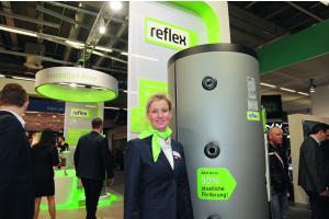 Bei der Reflex Winkelmann GmbH aus Ahlen herrschte Optimismus. Anja Franke-Runtemund berichtete, die Stimmung sei sehr positiv, auch wenn sich die Solarthermie auf konstant niedrigem Niveau befinde.