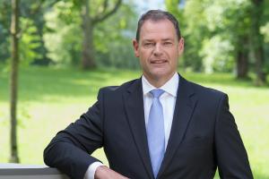 Heinz-Werner Schmidt, Vorstandsvorsitzender von Neura.