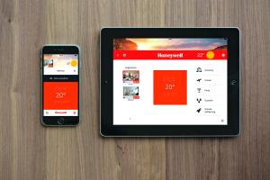 """Das funkbasierte Einzelraumregelungssystem """"Smile-Room Connect"""" ist nahtlos mit der  Wärmeerzeugung gekoppelt und ermöglicht eine  Start-Stopp-Automatik für die Heizung – mit Bedienung per App."""