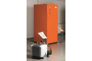 Wärmepumpe mit integriertem Warmwasserbereiter.