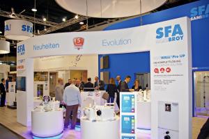 Nichts ist so gut, dass es nicht noch besser werden könnte – bestätigte zur ISH einmal mehr Marktführer SFA Sanibroy bei seinen Kleinhebeanlagen.