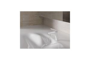 """Bei der Armaturenserie """"BALANCE WHITE Edition"""" von Kludi werden die Komponenten mit einem hochwertigen Polyurethan-Pulver beschichtet, ein Kunststoff bzw. Kunstharz mit einer hohen chemischen Widerstandsfähigkeit."""