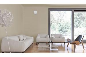 """Das Wohnraumlüftungsgerät """"SmartFan"""" in einem Wohnzimmer."""