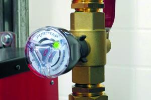 """Die Inline-Leitfähigkeitsmessung """"Purotap i-control"""" hilft die elektrische Leitfähigkeit des Systemwassers nach der VDI 2035 festzulegen."""